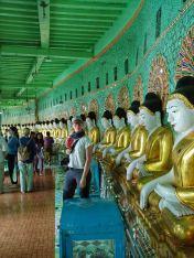 Statue presso la Collina Mandalay